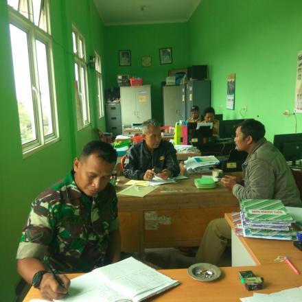Koordinasi Perangkat Desa dengan Babinsa tentang Penyelenggaraan Pemerintahan Desa